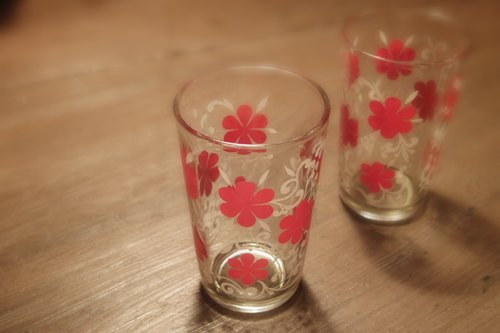 2 Vintage 10cm Vintage Glasses with Flora Pattern early flower pattern glass