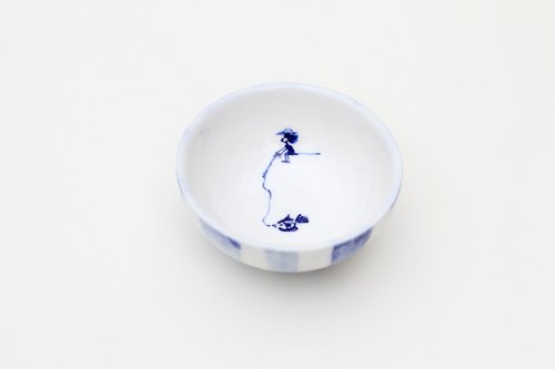Small fishing _ ceramic cup