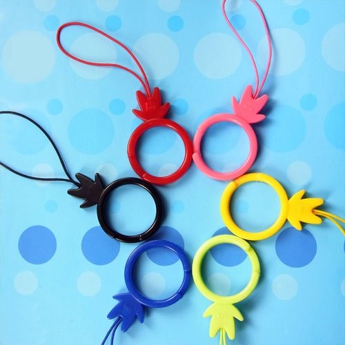KaloMan ring buckle (six colors) for use in a mobile phone camera to prevent slipping