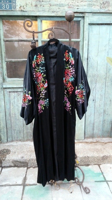 Modified flowers embroidered silk kimono yukata