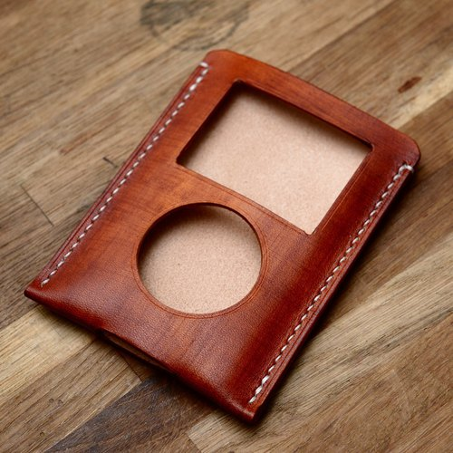 Handmade custom wipe pattern brown vegetable tanned Italian leather holster MP3 ipod classic ipc
