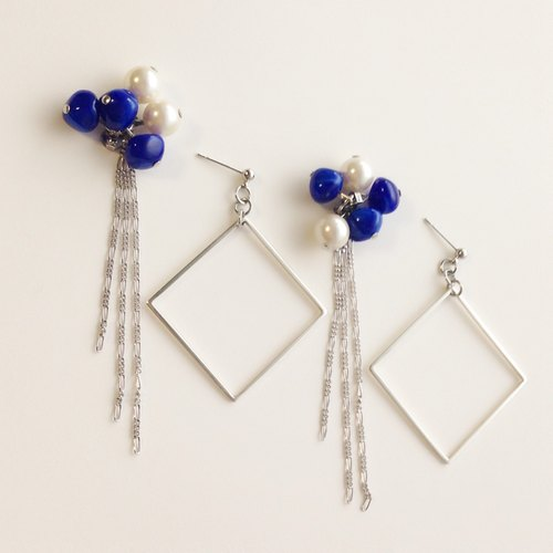 [Order production] earrings / Silver 950 SHIKAKU chain and beads with a catch: Lapis