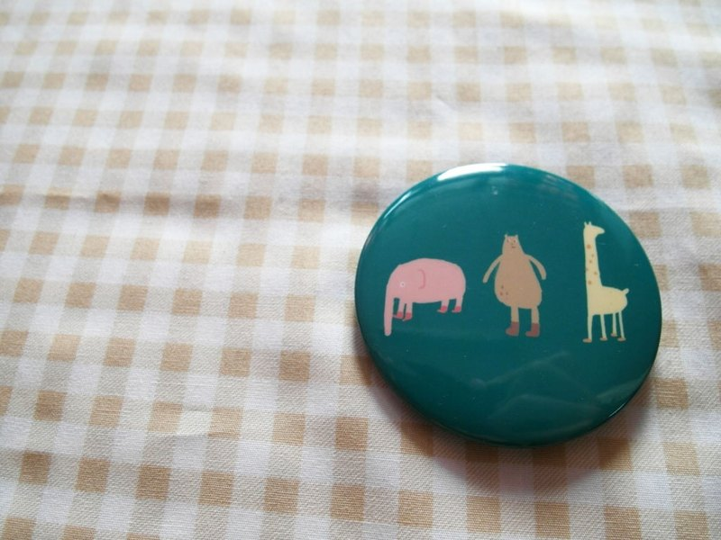 Xiu Xiu bears / animals /-5.8cm badge
