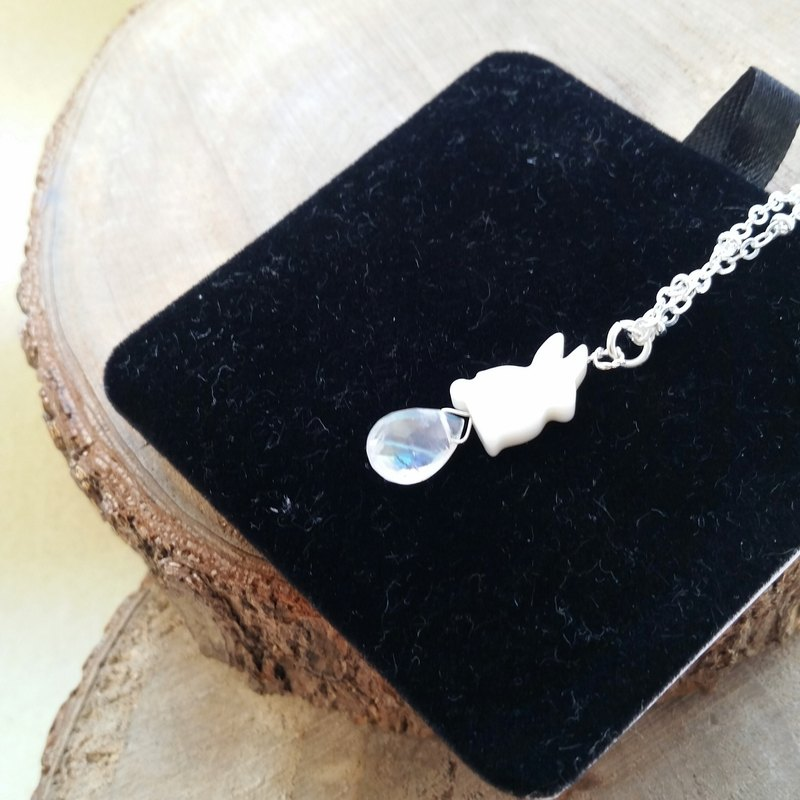 925 silver necklace High quality strong blue moonstone necklace (Fritillary rabbit)