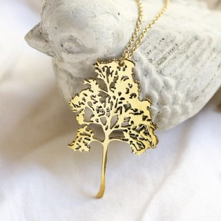 Tree pendant necklace (medium).