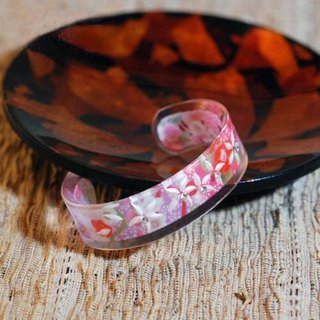 [MITHX Hands] pink, translucent sculpture, Japanese bracelet