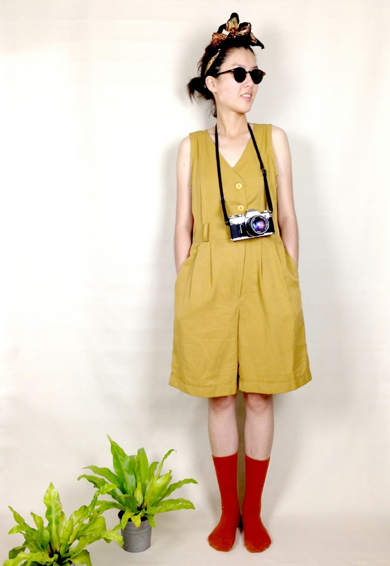 │ │ knew priceless vintage tan pants coveralls VINTAGE / MOD'S