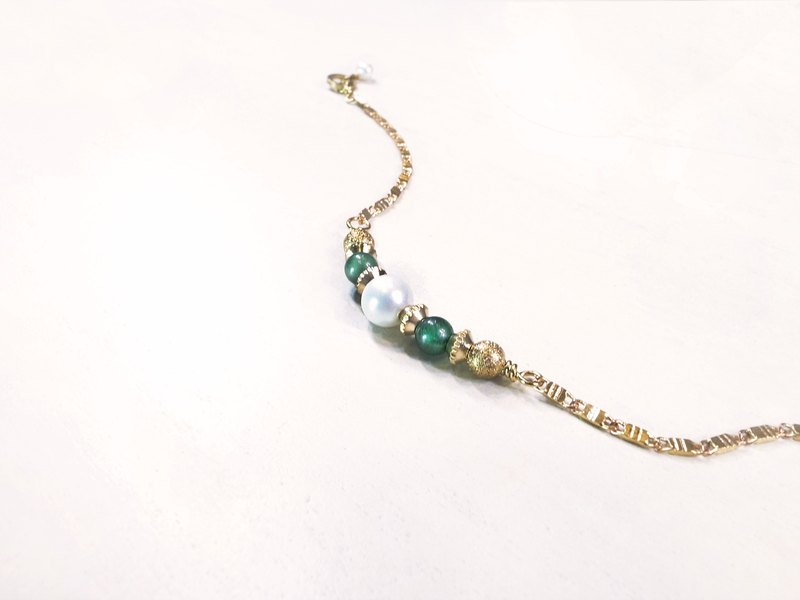 """Heritage Collection"" Woman charm emerald stone bracelet handmade vintage brass"