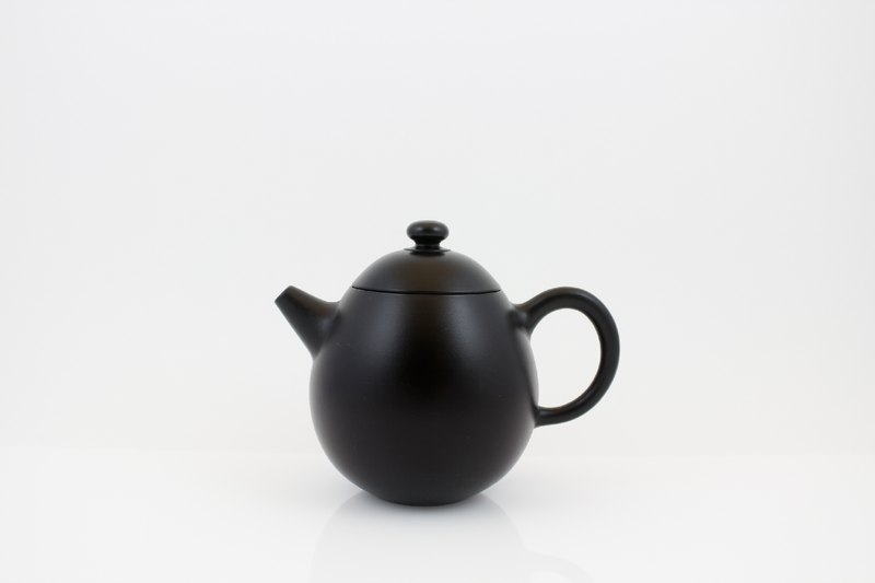 Dan Long carburizing teapot
