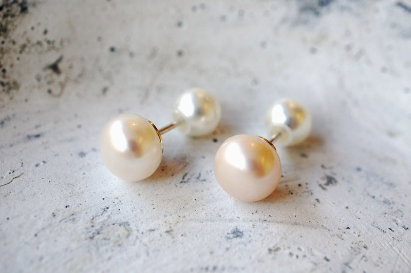 Of button pearl earrings