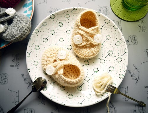 Handmade knit baby shoes - Elf series (off-white)