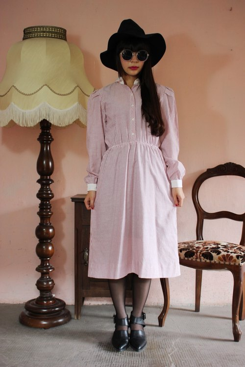 F1184 (Vintage) pale pink white striped cotton long-sleeved vintage dress