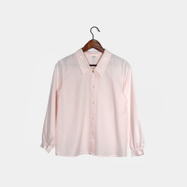 │moderato│ Diana temperament elegant embroidered vintage shirt / transparent girl airy classical sweet Girlfriend