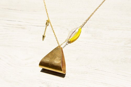/ Geometric wind / French striped mouth-blown glass necklace short-long chain - curved hill hills
