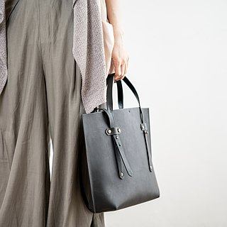 Tote Handmade Handmade + Cross-back Ink Black Cow Leather Tote Bag / One-piece Ultra Lightweight