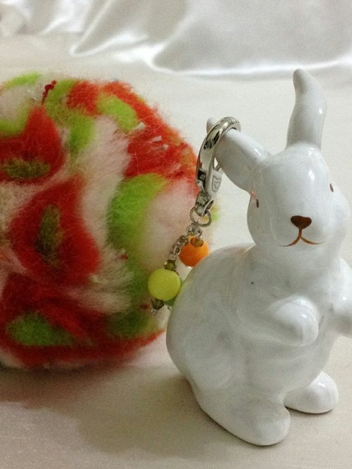 Integrated fruit wool ball key ring so
