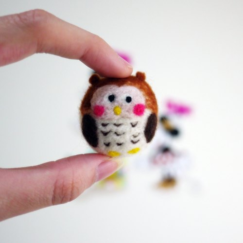 Hanju's wool child owl. Blessing QMO series wool felt mobile phone strap / dust plug / strong magnet