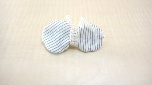 Horizontal lines butterfly hairpin