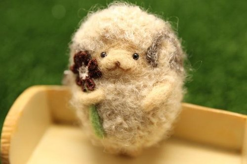 Sheep Mocha chan wool felt brooch