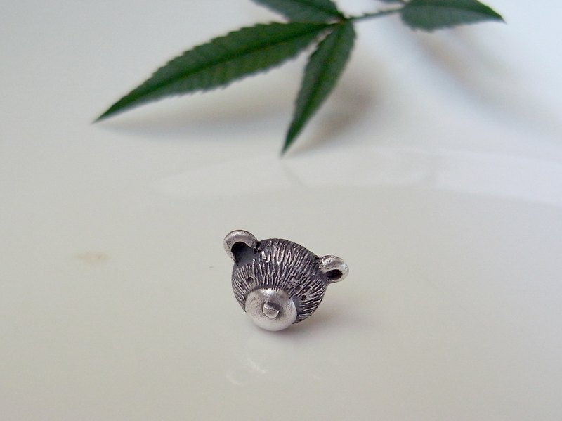 Teddy Bear No.27 Stud Earring--Sterling Silver--Silver Tiny Bear --Cute Bear
