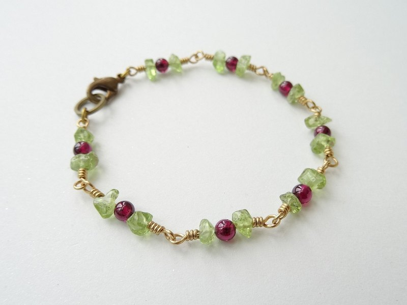 :: Fruity Season:: Garnet and Peridot Brass Bracelet - Wild Berries