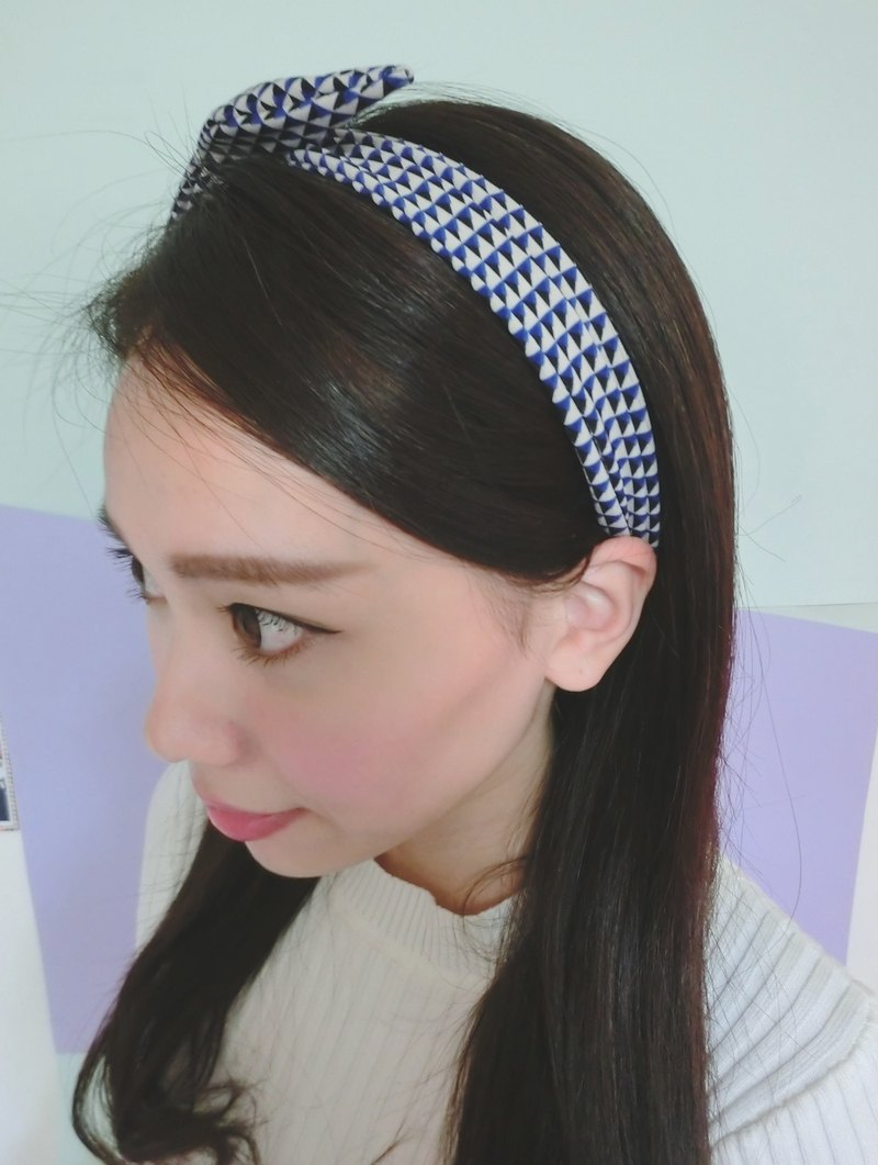 Incompatible aluminum hair band geometric