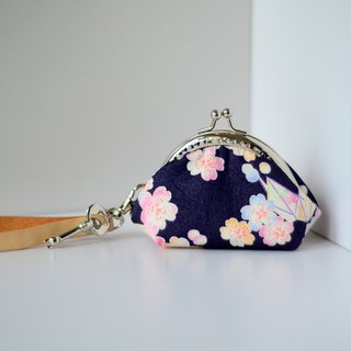 A very small coin purse - ornament - framed case with wristlet
