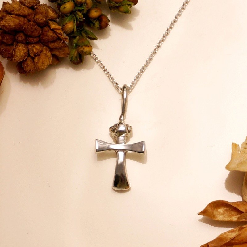 Fancy Moon * Law ‧ cross necklace ‧925 sterling silver