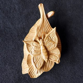 ㊣ India Laoshan sandalwood leaf and butterfly brooch []