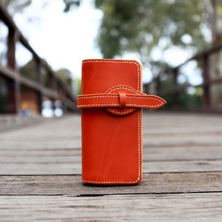 47. The hand-made leather sweet style long clip wallet