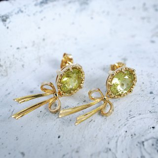 Green Garnet and ribbon earrings