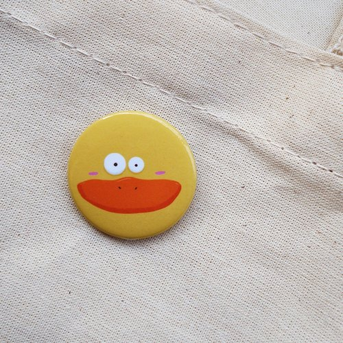 CHUMIO animal stickers series _ pin / magnet (small yellow duck)
