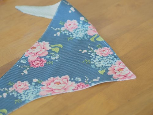 Blue blossoming. Small scarf