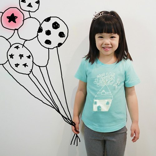 Children's handmade fashion cotton T-shirt - childlike with a house to travel