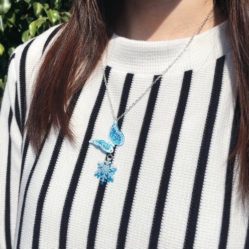"""Winter Limited"" Glow Version - snowflakes white stripes painted ice blue butterfly Snowflake Necklace"