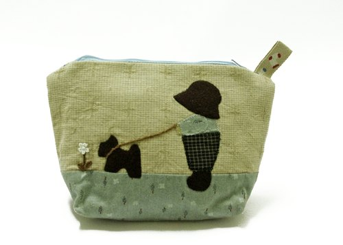 [Mother A] dog for a walk, cosmetic bags and wallets
