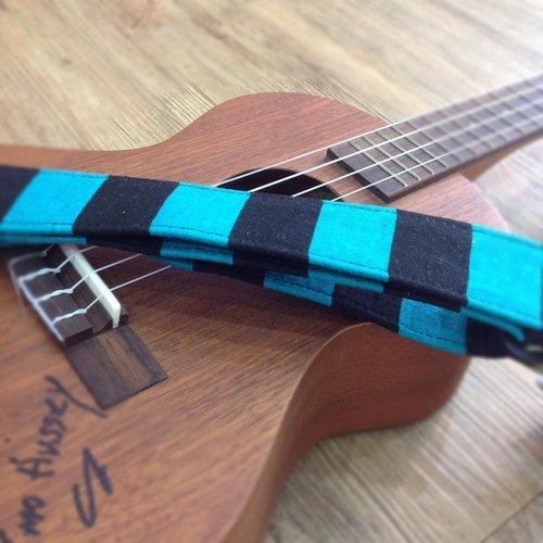 [] Ukulele strap black and blue stripes