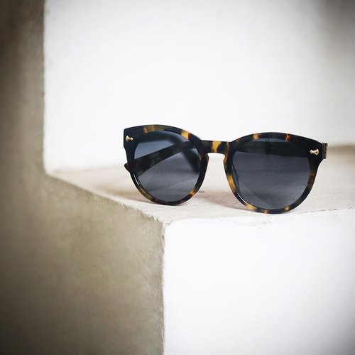 [Myth] retro tortoiseshell frame round frame olive green blue gray gradient lens modern retro sunglasses sunglasses plate hand-made Asian applicable