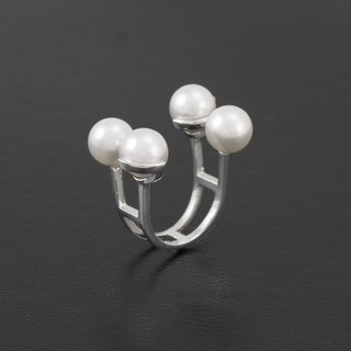 Quartet Pearl Ring - white gold