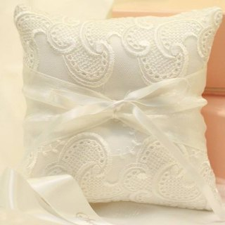 Court style ring pillow handmade lace