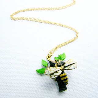Bee on branch pendant in brass and enamel color ,Rocker jewelry ,Skull jewelry,Biker jewelry