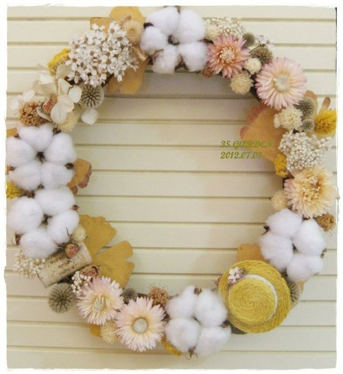 French glistening white plum sweet wreath