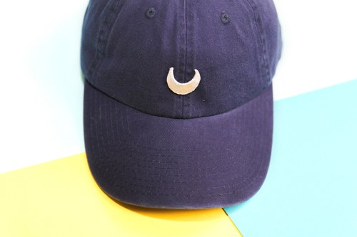 I want to take instead of the moon punish you - Silver Moon dark blue hat