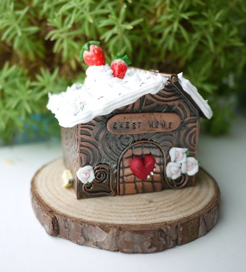 [Christmas] Sweet Home cream strawberry house - jewelry box - propose ring box