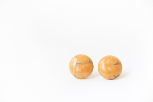 Landing from the universe! / Hokkaido Pumpkin - Natural stone needle earrings 925 white fungus