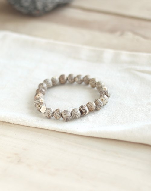 """Bodhi gold"" bracelet ─ surrender, awakening"