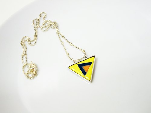 [Triangle II] triangle shape enamel necklace