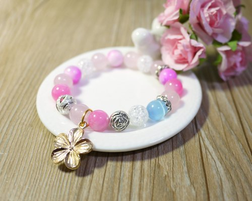Flowers heart on / natural stone stained stone bracelet bracelet