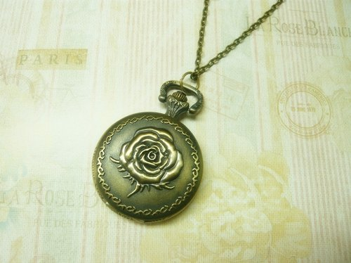 Nadia ♥ love hand-made roses carved pocket watch necklace (in money) Limited