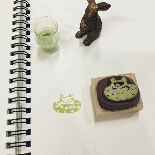 Deerday hand carved stamp - stamp small animals can not swim frog